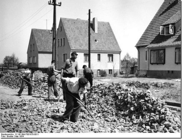 Attribution: Bundesarchiv, B 145 Bild-F001670-0011 / Brodde / CC-BY-SA