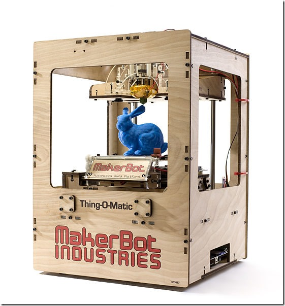 557px-Makerbot_Thing-O-Matic_Assembled_Printing_Blue_Rabbit (1)