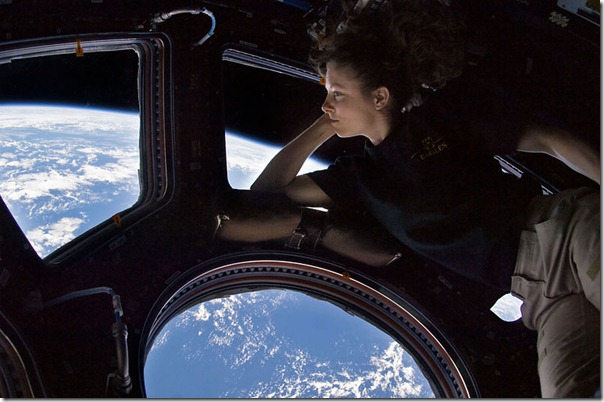 800px-Tracy_Caldwell_Dyson_in_Cupola_ISS